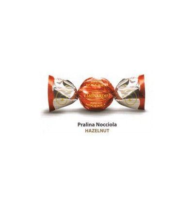 Monardo - Mléčná čokoládová pralinka  s lískovým oříškem (červené) 1ks